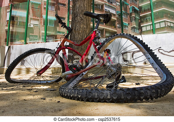 cassé, vélo - csp2537615