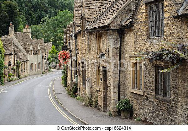La peine del castillo, las cabañas de los Cotswolds - csp18624314