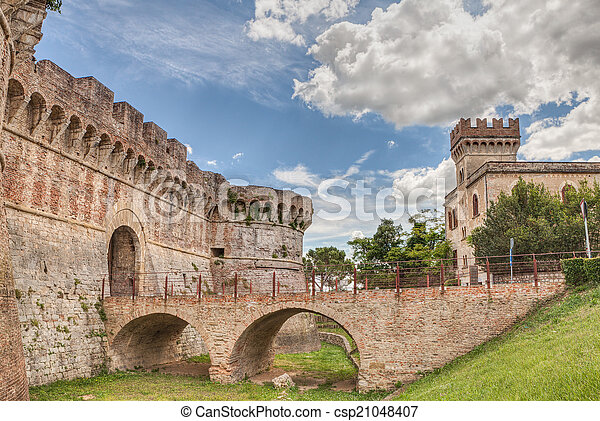 castle in Tuscany - csp21048407