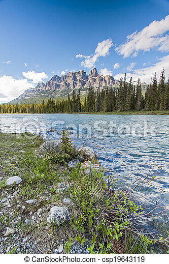 Castle Mountain at the Shores of the Bow RIver in Banff National - csp19643119
