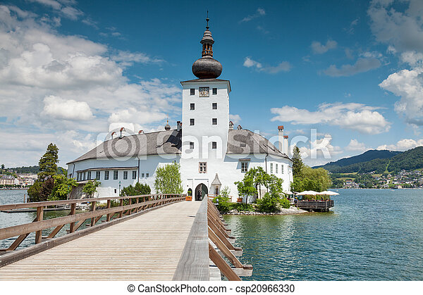 Castle on Traunsee lake - csp20966330