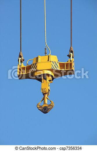 cat-crane - csp7356334