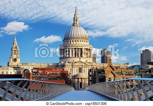 Londres - St Paul Catedral, Reino Unido - csp18501306