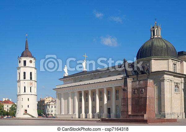 Plaza Cathedral de Vinius - csp7164318