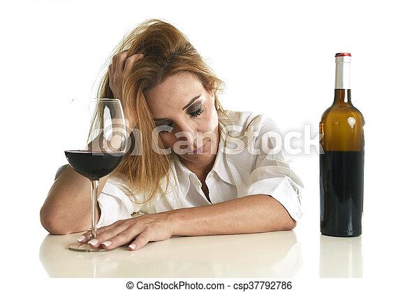 Помогает ли алкоголь при депрессии