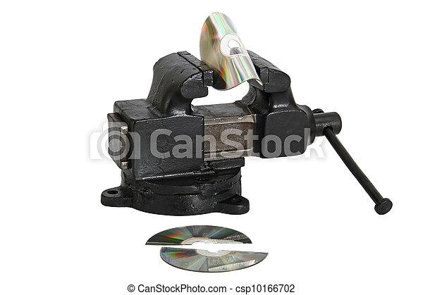 Un disco de CD en vise - csp10166702