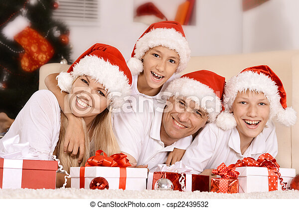 Feliz celebración familiar - csp22439532
