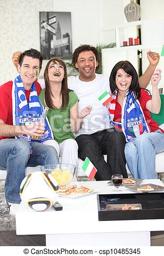 Los fanáticos italianos del fútbol celebran - csp10485345