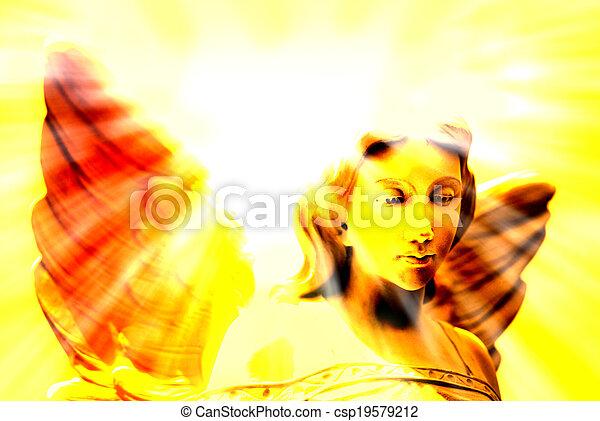 Ángel y luz celestial - csp19579212