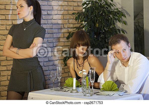 La escena de los celos en el restaurante - csp2671753