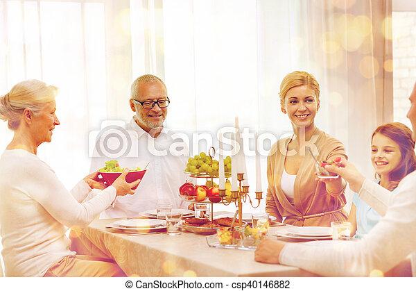 cena famiglia, casa, sorridente, vacanza, detenere - csp40146882