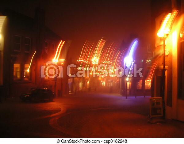 cena rua, obscurecido - csp0182248