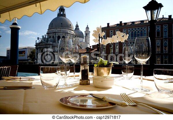 Cena en Venecia - csp12971817