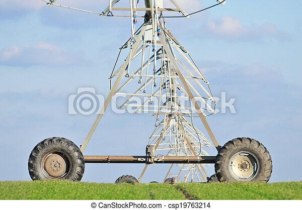 Center pivot irrigation system - csp19763214