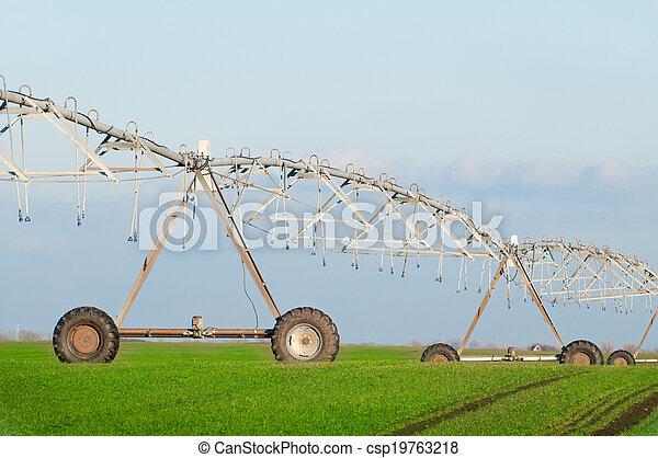 Center pivot irrigation system - csp19763218