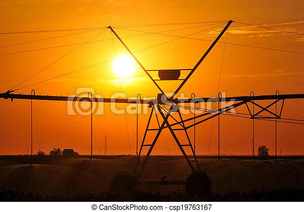 Center pivot irrigation system - csp19763167