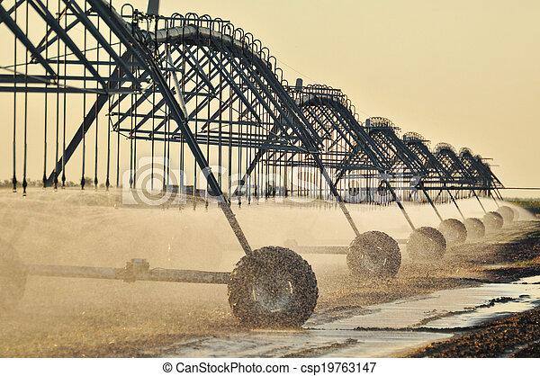 Center pivot irrigation system - csp19763147