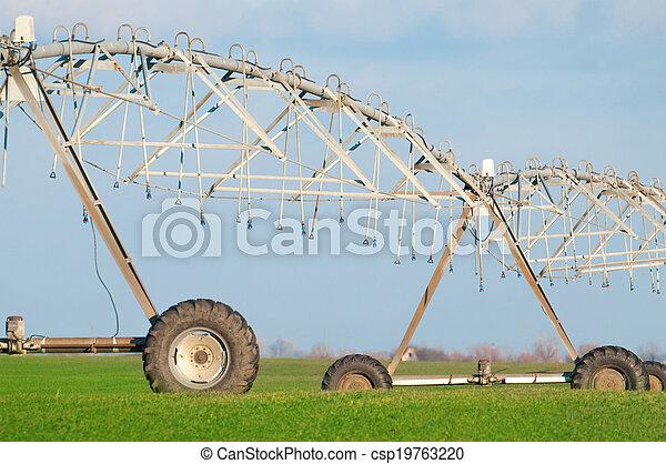Center pivot irrigation system - csp19763220