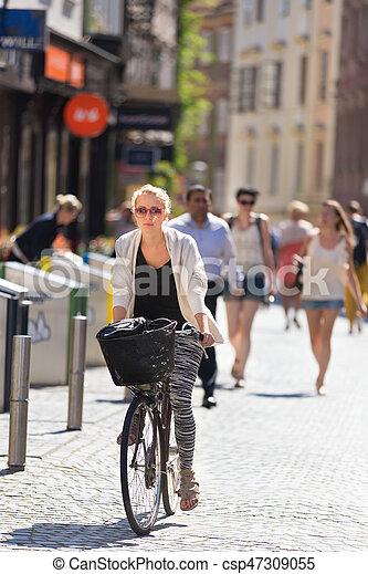 center., ville, femme, équitation bicyclette - csp47309055
