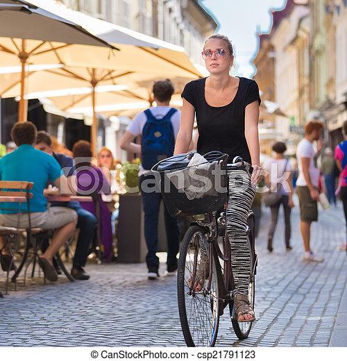 center., ville, femme, équitation bicyclette - csp21791123