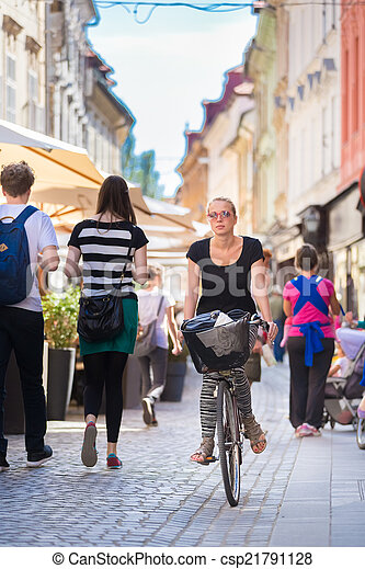 center., ville, femme, équitation bicyclette - csp21791128