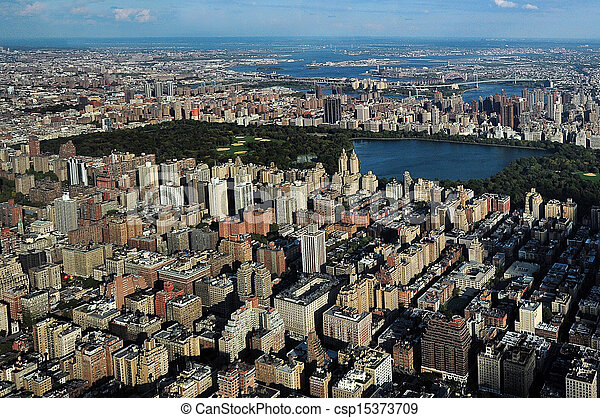 Central Park in Manhattan New York City - csp15373709