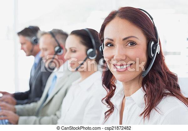 centrera, tröttsam, ringa, arbetare, hörlurar - csp21872482