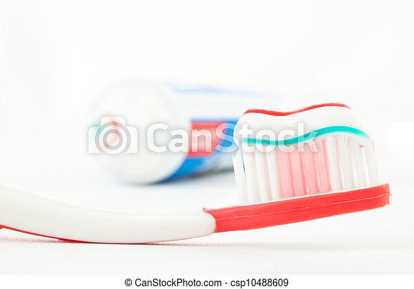 cepillo de dientes, pasta dentífrica, rojo - csp10488609
