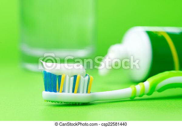 cepillo de dientes, pasta dentífrica - csp22581440