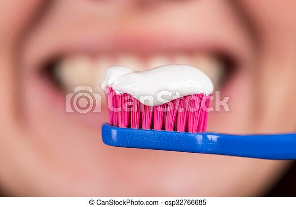 cepillo de dientes, pasta dentífrica, plano de fondo, dientes - csp32766685
