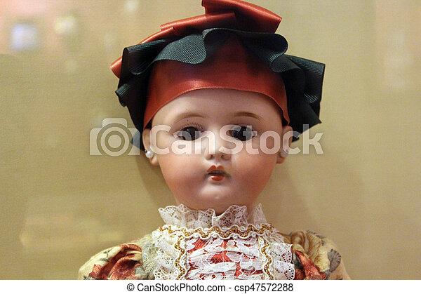 Muñeca de cerámica - csp47572288