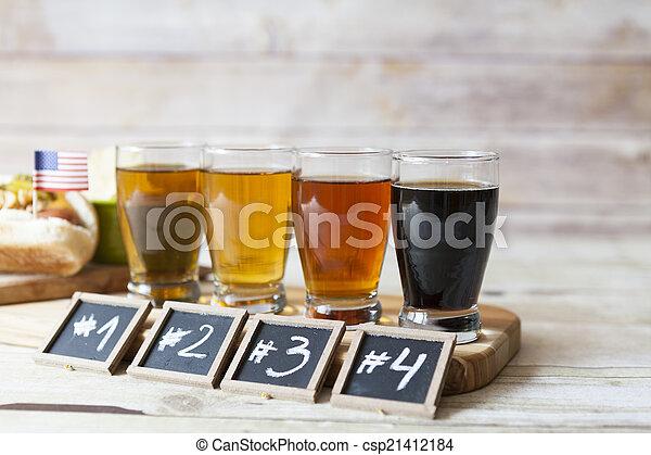 Degustación de cerveza - csp21412184