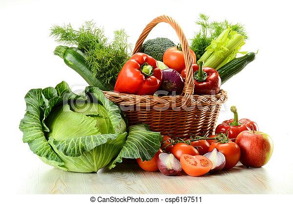 cesta, mimbre, vegetales - csp6197511