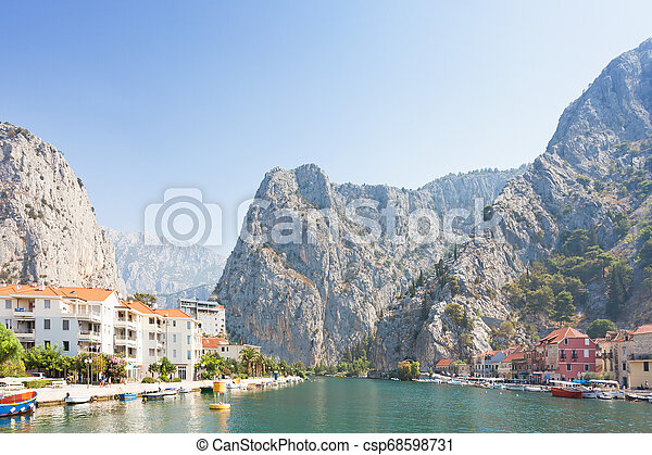 cetina, omis, -, zurück, omis, kroatien, land, fluß, führen - csp68598731