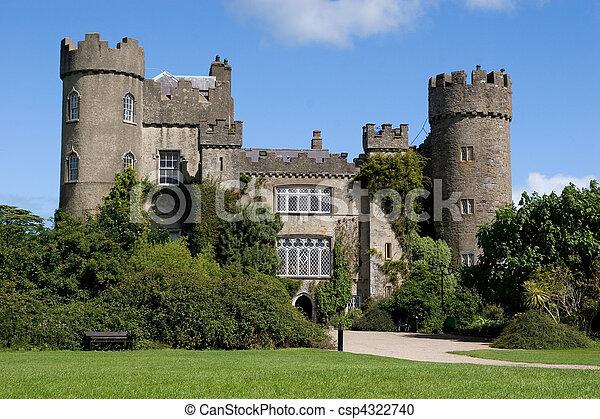 château, malahide - csp4322740