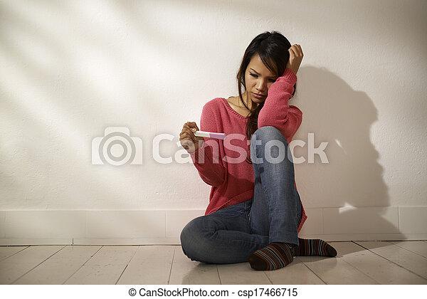 chão, sentando, triste, olhar, gravidez, asiático, teste, menina - csp17466715