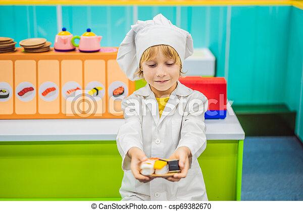 Chłopiec Gry Gra Dzieci Jeżeli Kok On Kuchnia