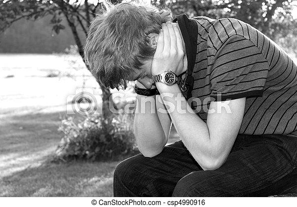chłopiec, teenage, smutny - csp4990916