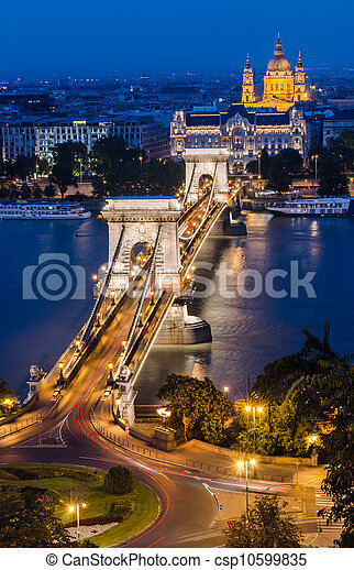Chain Bridge and Danube in the night, Budapest - csp10599835