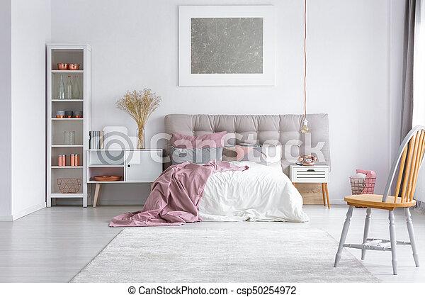 Chaise orange, clair, chambre à coucher. Cuivre, king-size, gris ...