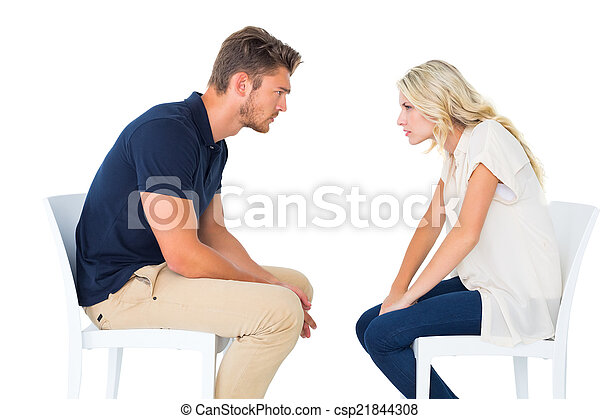 chaises, discuter, couple, jeune, séance - csp21844308