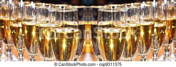 champagne, célébration - csp9311375