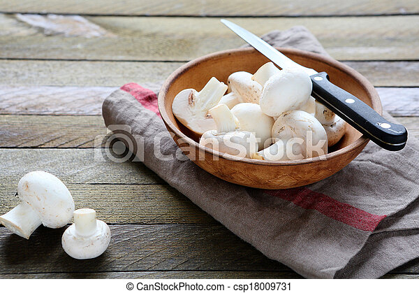 champignons in a bowl - csp18009731