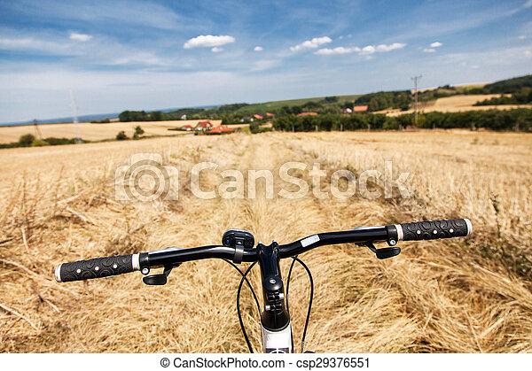 champs, équitation bicyclette - csp29376551