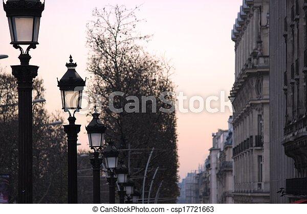 Champs-Elysees Paris - csp17721663