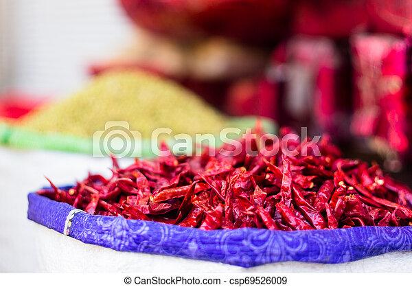 chandni, delhi, chillies, vente, sac, séché, chowk, jute, rouges - csp69526009