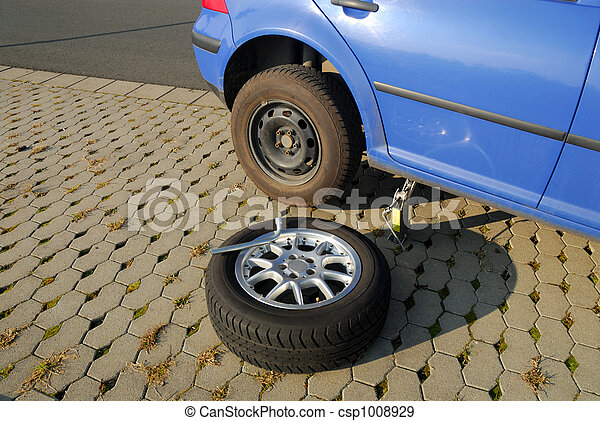 Changing a tire on the road - csp1008929