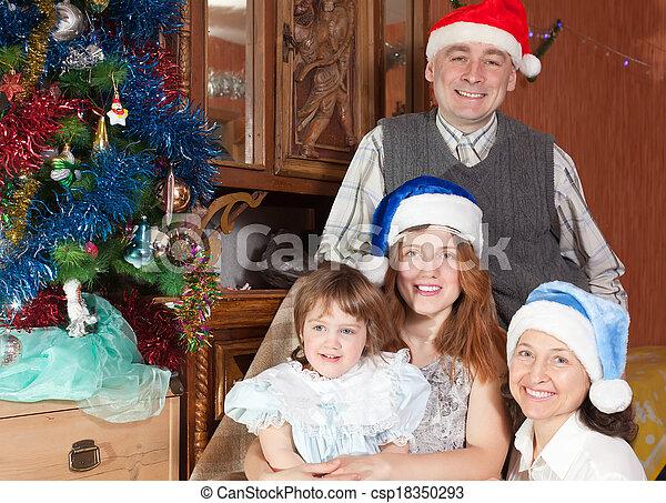 chapeaux, famille heureuse, santa - csp18350293
