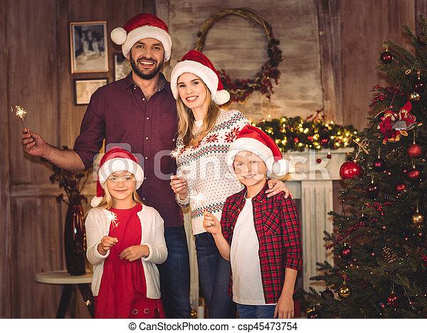 chapeaux, famille, santa, heureux - csp45473754
