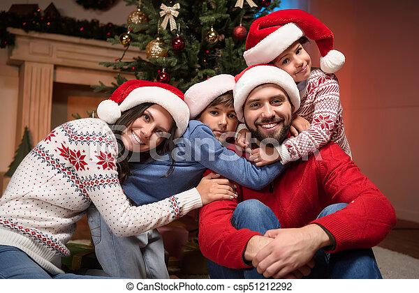 chapeaux, famille, santa, heureux - csp51212292
